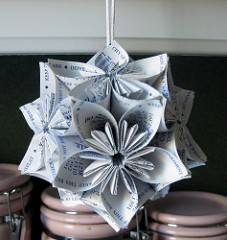 A contemporary origami kusudama. Courtesy of roserevolution.