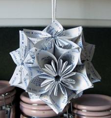 A contemporary origami kusudama. Courtesy of roserevolution.